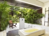 villa-jemma-tropical-bathroom